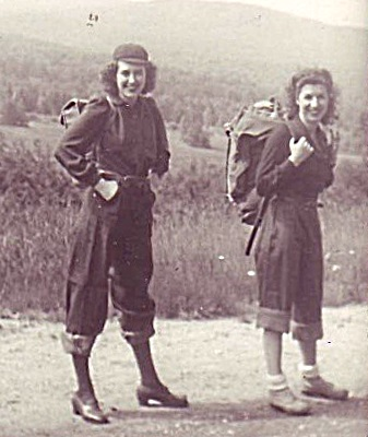 1940s hiking clothes