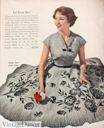 1950s border print dress made with a full 6 yards for the skirt! 1958. VintageDancer.com