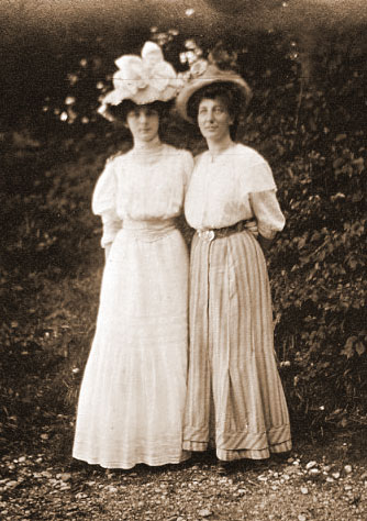 Women S Titanic Fashion Second And Third Class