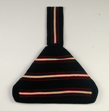 This 1930s silk purse from the Metropolitan Museum demonstrates a classic deco shape.