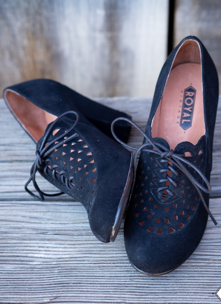 Vintage Style Shoes, Vintage Inspired Shoes Alice Retro Cutout Oxfords Black $150.00 AT vintagedancer.com
